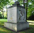 Opladen Kriegerdenkmal.JPG
