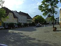 Ortenburg Marktplatz.JPG