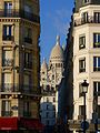 P1150261 Paris XVIII rue Briquet Sacré-Coeur rwk.jpg