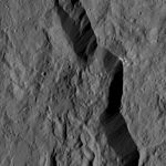 PIA20938-Ceres-DwarfPlanet-Dawn-4thMapOrbit-LAMO-image176-20160602.jpg