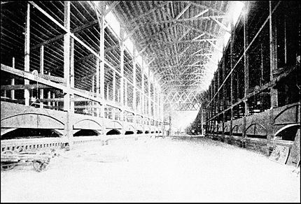 PSM V42 D607 Interior view of the glass casting hall at ford city pa.jpg