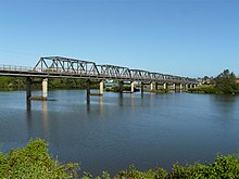 Pacific Hwy bridge Taree.jpg