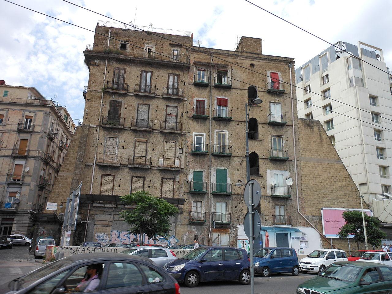File palazzo antico via marina wikipedia for Planimetrie popolari