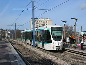 Tramways in Île-de-France - Tram on line T2 in Issy-les-Moulineaux