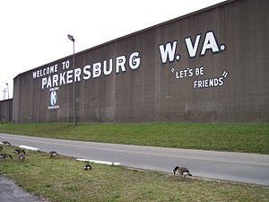 The w:floodwall of w:Parkersburg, West Virgini...