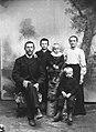 Per Martin Springfeldt Heden m hustru Klara samt sönerna Arvid, Verner och Hilmer. Lima - Nordiska Museet - NMA.0042818.jpg