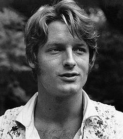 Perry King 1975.jpg