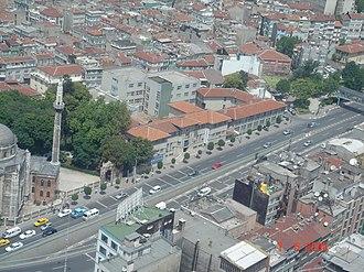 Pertevniyal Valide Sultan Mosque - Image: Pertevniyal Anadolu Lisesi 3