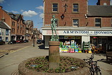 Peter Pan statue in Kirriemuir by Nick 1.JPG