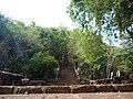 Phnom Banan stairs - panoramio.jpg