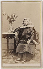 Photograph of a Chinese woman seated 3.jpg