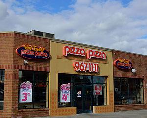 Pizza Pizza - Image: Pizza Pizza Malvern Town Centre