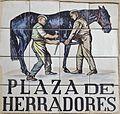 Placa de la plaza de Herradores (cropped).JPG