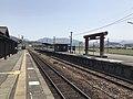 Platform of Bungo-Mori Station 6.jpg
