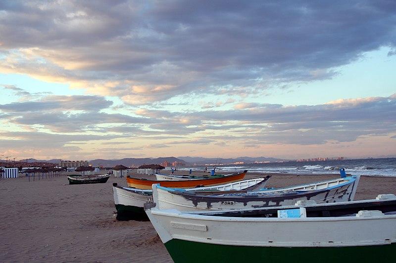 File:Playa de El Cabanyal (Valencia) 02.jpg