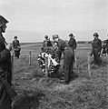 Plechtigheid bij de graven van gefusilleerden te Zijpe en St Pancras, Bestanddeelnr 900-3374.jpg