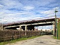Pont au dessus la voie ferrée (Saint-Maurice-de-Beynost).jpeg
