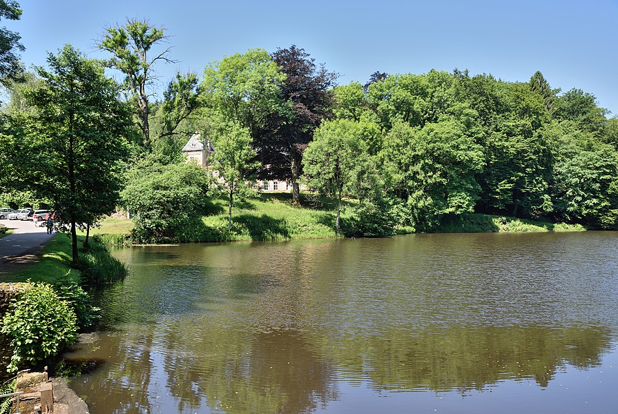Pond at Pont-d'Oye in the Belgian commune of Habay. The castle is seen in the background at left.