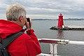 Poolbeg Lighthouse, Dublin Port (507238) (32894390371).jpg