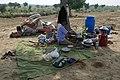 Préparation du repas dans le désert du Thar (Rajasthan).jpg