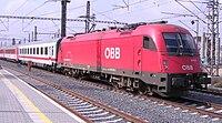 Praha-Libeň, vlak s ÖBB 1216.jpg