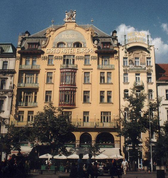 File:PrahaHotelEvropa01v.jpg