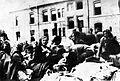 Prihod izseljencev v mariborsko meljsko vojašnico 3. julija 1941.jpg