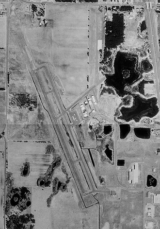Princeton Municipal Airport (Minnesota) - USGS aerial image - 21 April 1991