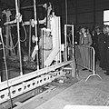 Prins Bernhard Glasfabriek De Maas te Tiel geopend, per treintje over het enor, Bestanddeelnr 916-5211.jpg
