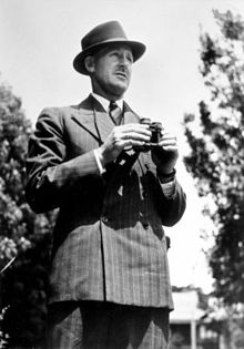 Queensland politican Bruce Pie 1941.jpg