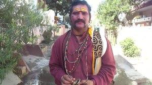 File:Raavana veshaM.webm