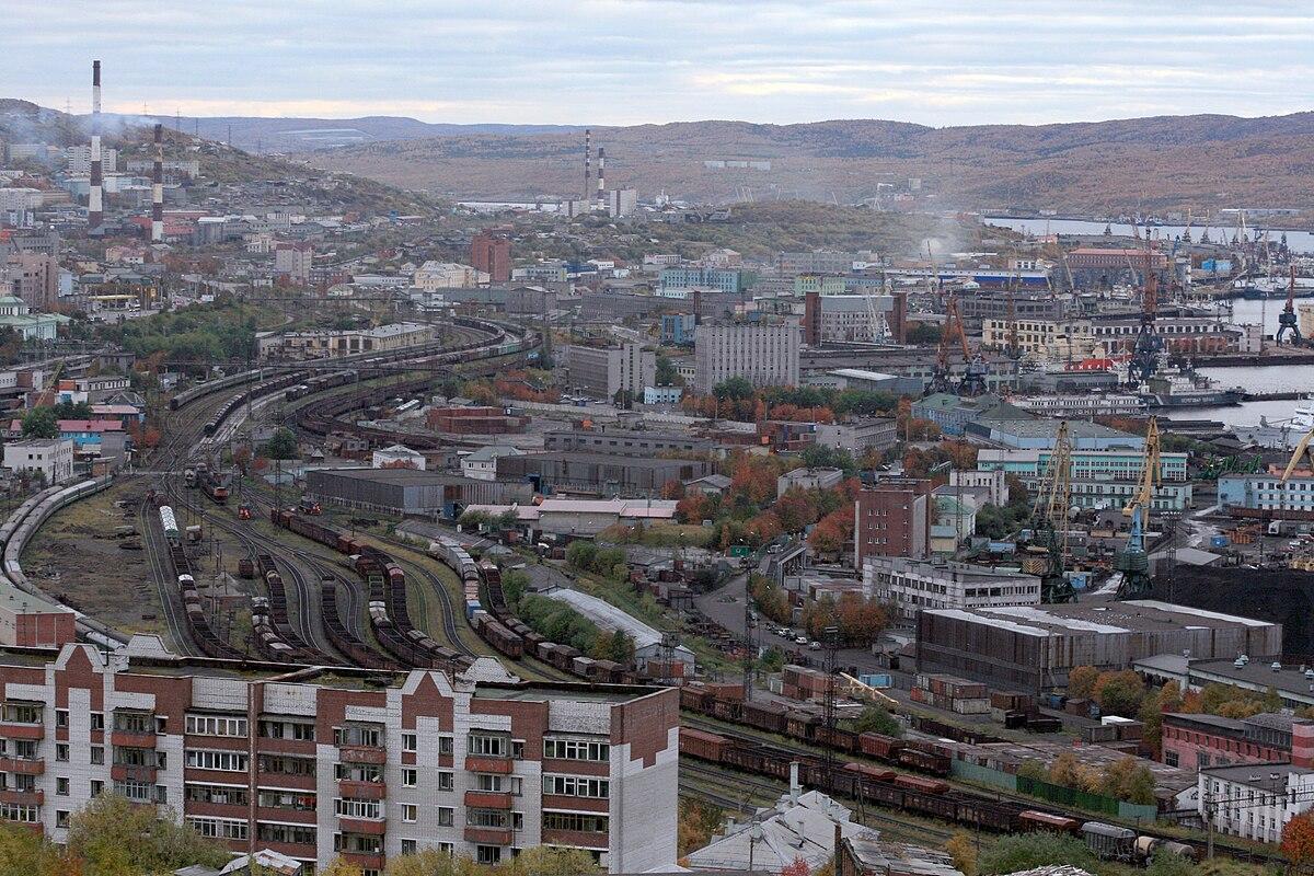 1200px-RailwayportMurmansk.JPG