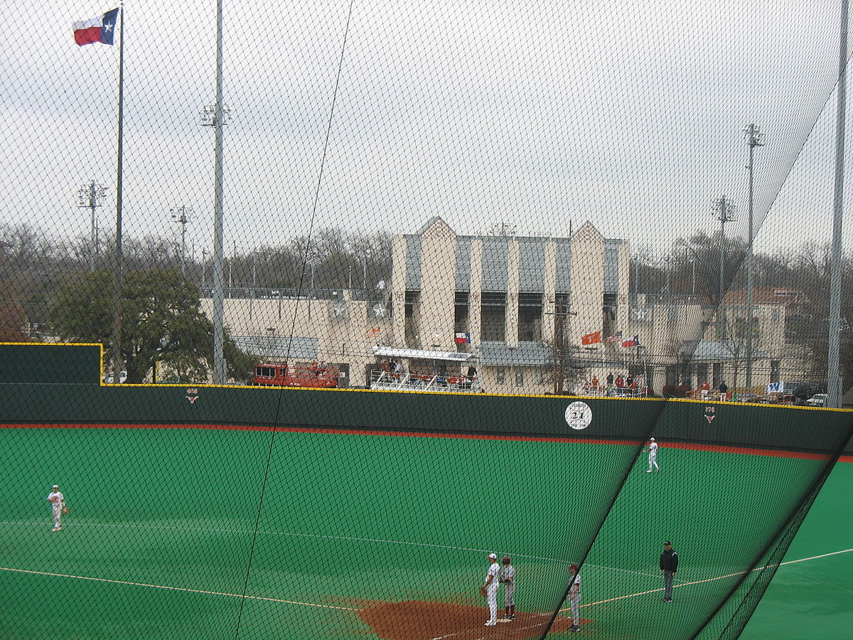 Red And Charline Mccombs Field Wikipedia