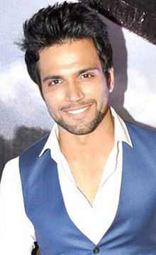 Rithvik Dhanjani at the premiere of Transformers.jpg