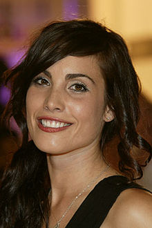 Description de l'image Robin Wong TIFF Schmooze Carly Pope.jpg.