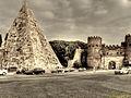 Rom, Pyramide des Caius Cestius (11602243234).jpg