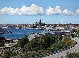 Sydöstra Lysekil med kirken som er et kendt landmærke for søfarere.