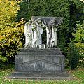 Südfriefhof Köln - Grab Fassbender (8824-26).jpg