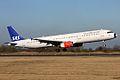 SAS Airbus A321 OY-KBH (4420034982).jpg