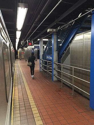 34th Street station (Market–Frankford Line) - Station platform