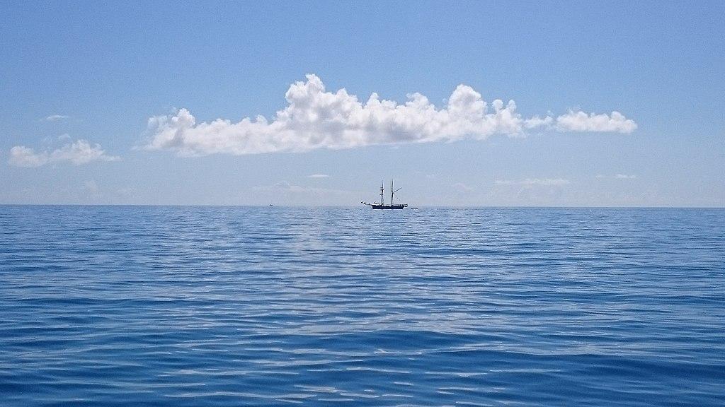 Sailing Boat Horizon