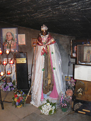 Saint Sarah - The shrine of Saintes-Maries-de-la-Mer