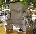 Salon-de-Provence Statue de Adam de Craponne Socle2.jpg