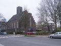 Sankt-Franziskus-Kirche in Barmbek-Nord mit Franz-von-Assisi-Grundschule.jpg