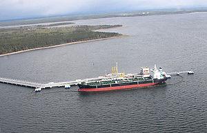 Ship in Leningrad Oblast May 2008.jpeg