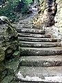 Square Louise-Michel - escalier.JPG