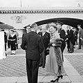 Staatsbezoek van koningin Juliana aan Frankrijk. Rondvaart Koninklijk paar. Bij , Bestanddeelnr 903-9820.jpg