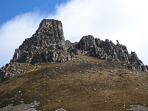 Stac Pollaidh - The western summit of Stac Pollaidh requires a scramble to ascend.