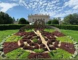 Stadtpark flower clock (Vienna) August 2019.jpg