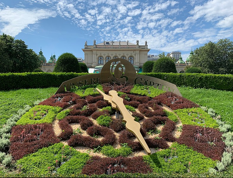 Stadtpark flower clock (Vienna) August 2019.